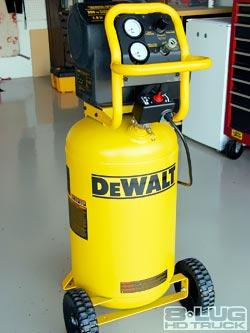 Dewalt D55167 1 6 Hp 225 Psi Oil Free High Dewalt