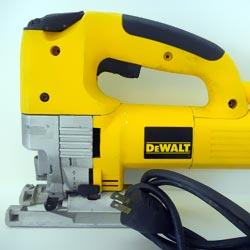 how to change blade on dewalt jigsaw dw321