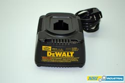 DEWALT DW9116 Battery Charger
