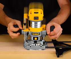 DEWALT DWP611PK Manual
